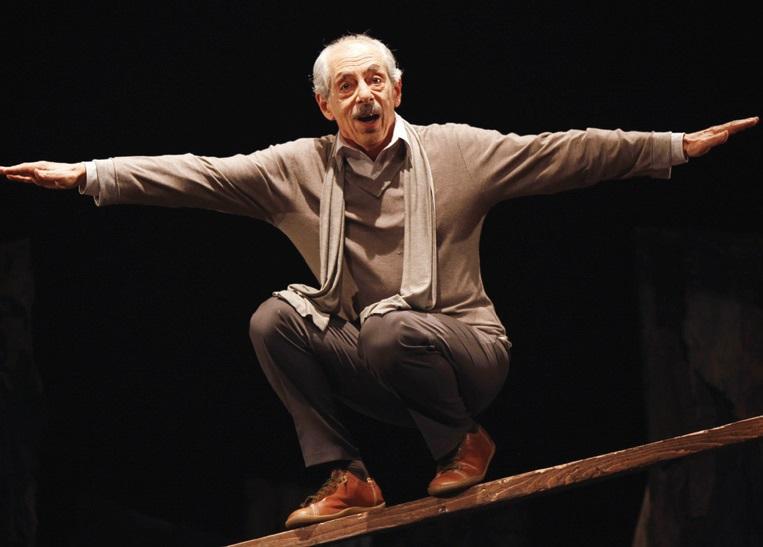 Genco Erkal'ın 'Ben Brecht' oyunu