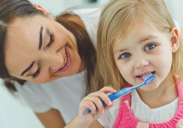 Çocuğum dişlerini en iyi nasıl fırçalar