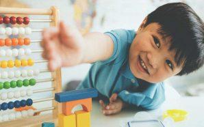 Oyun oynamak onun sosyalleşmesini sağlar (çocuk 1-2 yaş)