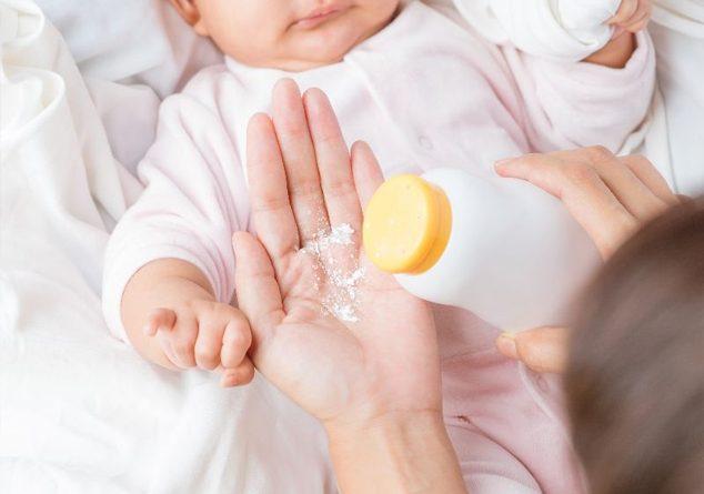 Bebeğimin altını değiştirirken pudra kullanmam güvenli midir