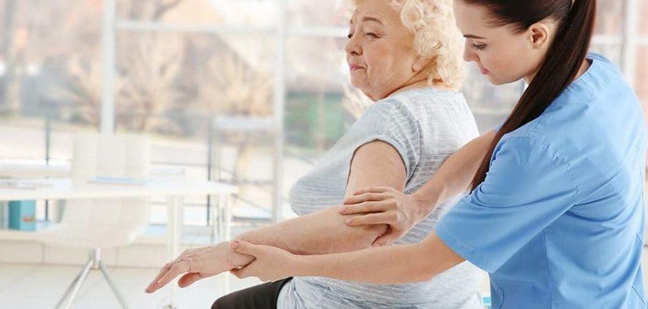 Osteoporoz Belinizi Büküp Yatağa Bağlamasın!