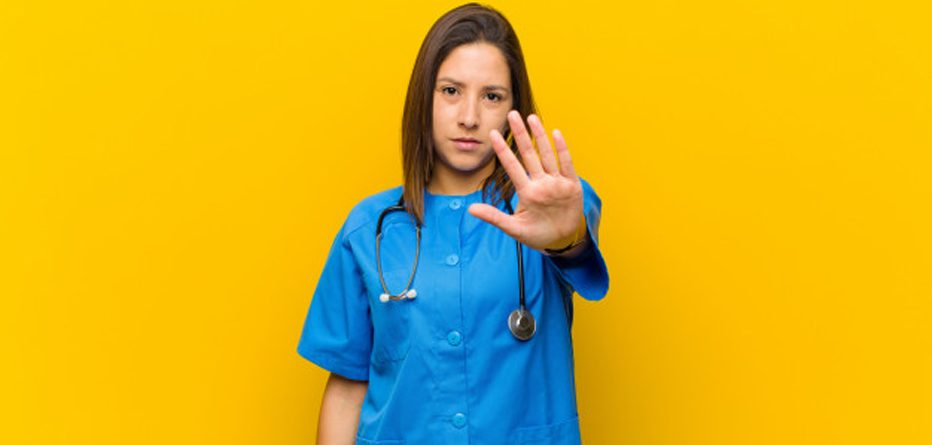 hekime doktora şiddet