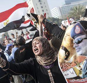 Araplar Demokrasiyi Başaramadı