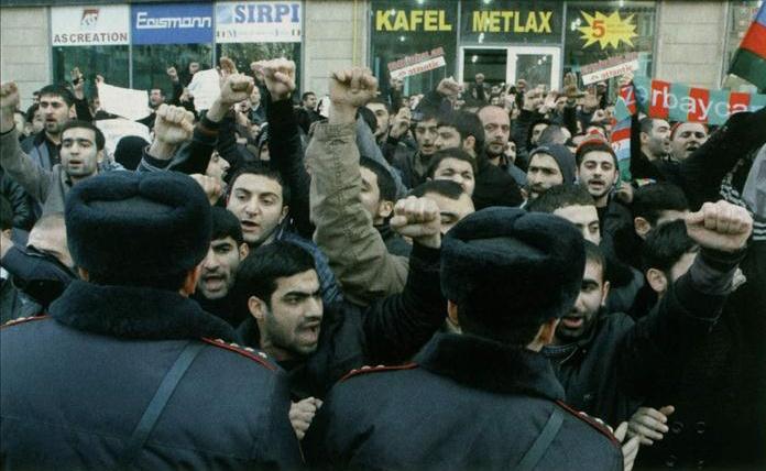 Azerbaycan'da Başörtüsü Gerilimi