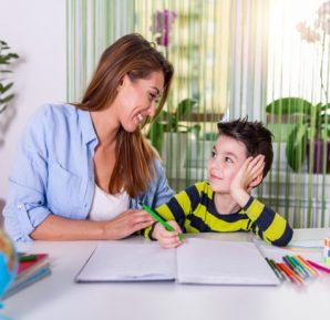 Otizm Uygulamaları ile Kelime ve İletişim Öğrenme