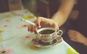 Sigarayla Kahve Değil Yeşil Çay İçin