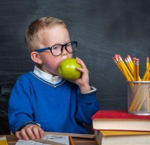 Okul Çağındaki Çocuklar Nasıl Beslenmeli