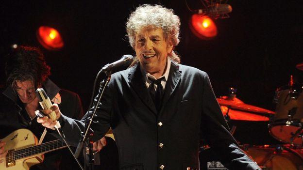 Дилан в 2012 году